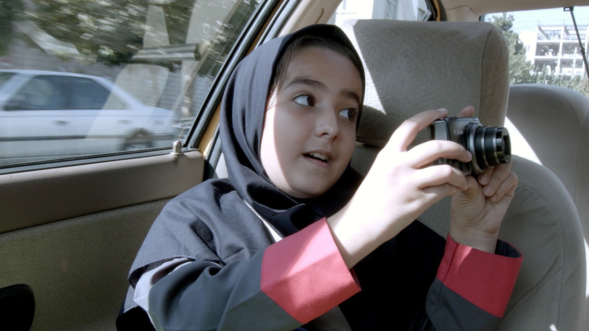 Lettre d amour dans un taxi ext rieur jour for Jafar panahi le miroir