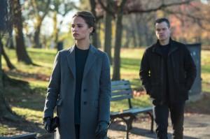 Heather Lee (Alicia Viskander) et Jason Bourne (Matt Damon). DR