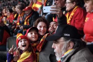 Pauline, ses enfants, son père et Stéphane au stade Bollaert à Lens. DR