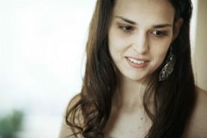 Giulia (Sara Serraiocco) part dans le monde. DR