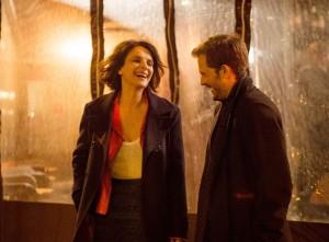 Isabelle (Juliette Binoche) et l'acteur (Nicolas Duvauchelle). DR