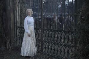 """Nicole Kidman incarne Miss Martha dans """"Les proies"""". DR"""