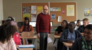 François Foucault (Denis Podalydès) dans sa classe. Photos Michel Crotto