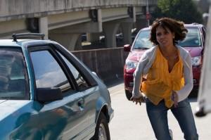 Karla Dyson (Halle Berry) traque des kidnappeurs. DR