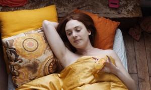 Un instant de repos pour Paula (Laetitia Dosch). DR
