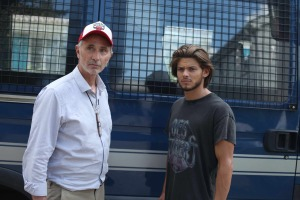 Roland (Thierry Lhermitte) et JB (Rayane Bensetti).