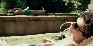 Elio (Timothée Chalamet) dans l'été de la campagne lombarde. DR