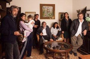 Alejandro (Ricardo Darin, à gauche) et la famille essayent de comprendre...