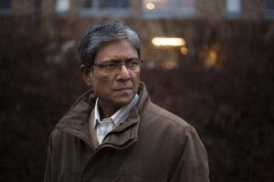 Mirza (Adil Hussain), un père bloqué dans la tradition. DR