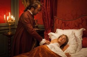 Arcis sous le charme de sa jeune épouse. DR