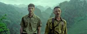 Robert Tassen et Cavagna (Guillaume Gouix) face à la jungle. DR