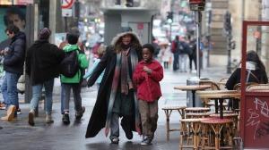 """""""Sous les étoiles..."""": Christine et Suli dans la ville. Photos Carole Bethuel"""