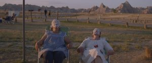 Fern et Linda May s'offrent un petit instant spa... DR