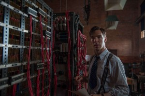 Alan Turing (Benedict Cumberbatch) et sa machine. DR