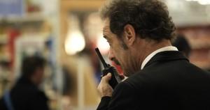 Thierry (Vincent Lindon) en surveillance dans un hypermarché. DR