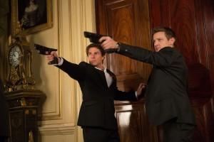 Ethan Hunt (Tom Cruise) et William Brandt (Jeremy Renner) en action. DR
