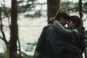 David (Colin Farrell) et la femme myope (Rachel Weisz).  DR