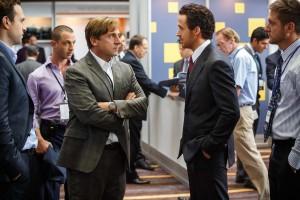 Mark Baum (Steve Carell) et Jared Venett (Ryan Gosling). DR