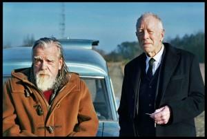 Jean (Michael Lonsdale) et le croque-mort (Max von Sydow). DR