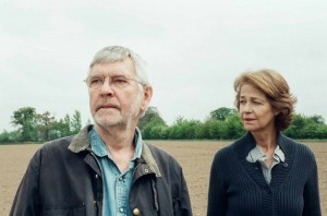 Tom Courtenay et Charlotte Rampling. DR