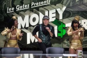 Lee Gates (George Clooney) en scène. DR