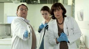 Philippe (Patrick d'Assumçao), Christophine (Charlotte Le Bon) et Nadine (Anne Le Ny).