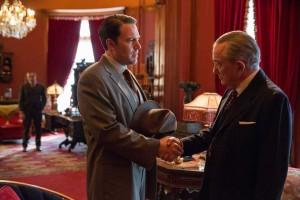 Joe Coughlin (Ben Affleck) signe un pacte avec Maso Pescatore (Remo Girone). DR