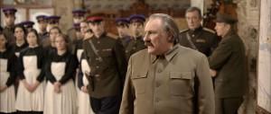 Staline (Gérard Depardieu), un despote dans son château.
