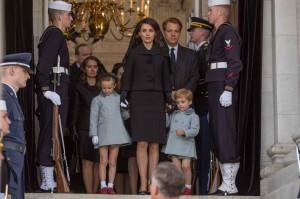 Jackie Kennedy et ses enfants lors des obsèques. DR