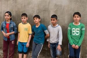 Le jeune Mohammed (à droite), sa soeur Nour (à gauche) et leurs copains. DR