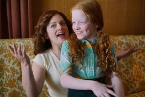 Phyllis (Elisabeth Moss) et sa fille (Sadie Sinck). DR