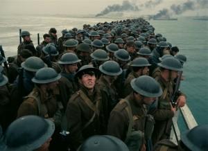 La peur et l'attente sur la plage de Dunkerque. DR