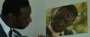 Le docteur Knock (Omar Sy) s'installe à Saint-Maurice.