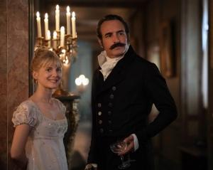 Elisabeth (Mélanie Laurent) et Neuville (Jean Dujardin).