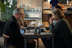 Tony (Jim Broadbent) et Veronica (Charlotte Rampling). DR