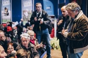 Daniel Auteuil avec le  public lors des Rencontres de Gérardmer. Photo Ava du Parc