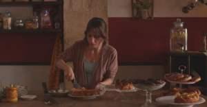 Anat (Sarah Adler) dans son café de Jérusalem. DR