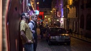 Serge (Gilles Lellouche) et Franck (Guillaume Canet) à Pigalle. DR