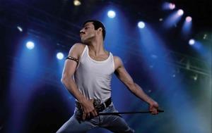 Freddie Mercury (Rami Malek) en scène. DR