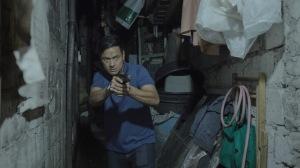 Le policier Moises Espino (Allen Dizon) en action. DR
