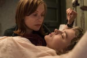 Greta et Frances en mauvaise posture. DR
