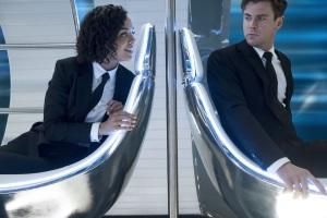 L'agent M (Tessa Thompson) fait équipe avec l'agent H (Chris Hemsworth). DR