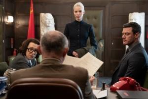 Anna dans les locaux du KGB en compagnie d'Olga (Helen Mirren). DR