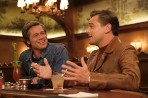 Cliff Booth (Brad Pitt) et Rick Dalton (Leonardo DiCaprio). DR