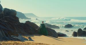 Héloïse face à la mer. DR