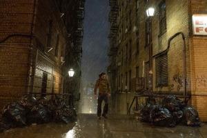 Un type solitaire perdu dans Gotham City. DR
