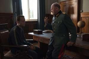 Franz face au président du tribunal du Reich (Bruno Ganz). DR