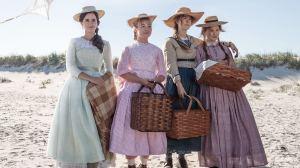 Meg, Amy, Jo et Beth March (Emma Watson, Florence Pugh, Saoirse Ronan et Eliza Scanlen) à la plage. DR