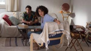 Selma Derwich (Golshifteh Farahani) consulte...