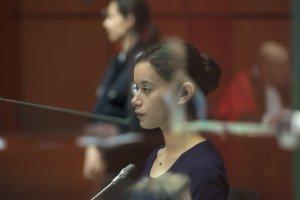 Lise Bataille (Mélissa Guers) dans le box des accusés.